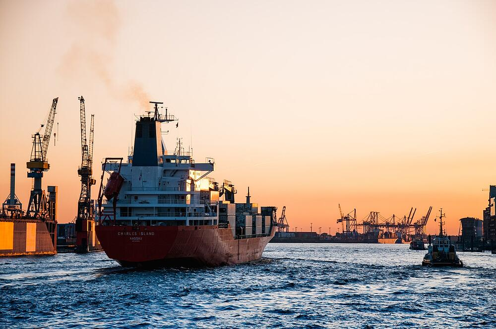 Sea freight and shipping container delays